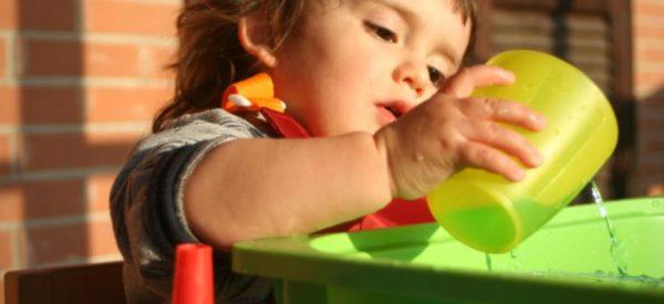 Giochi in casa e attività per stimolare lo sviluppo dei bambini