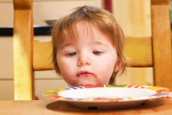 Bambini che non mangiano: 6 semplici consigli per stimolare l'appetito