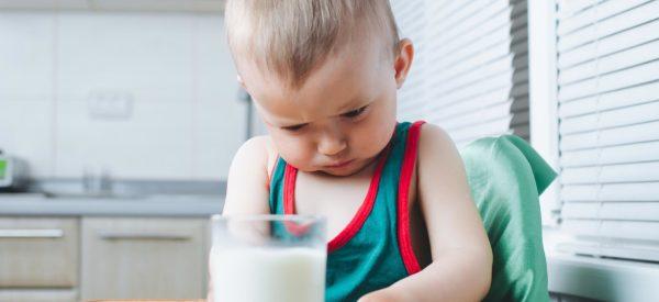 Intolleranza al lattosio: cause e sintomi | Faropediatrico